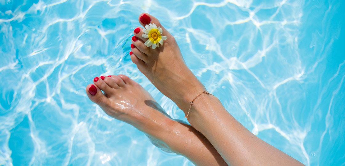How to DIY Pedicure   Shoelistic.com/Blog