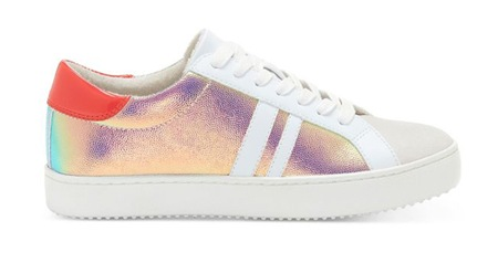 15 Sneakers to Make Traveling Cute and Comfy | Shoelistic.com/Blog